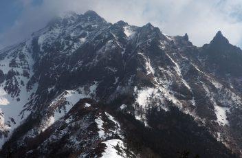 赤岳の岩峰群